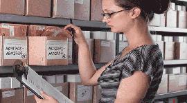 Специалист архива